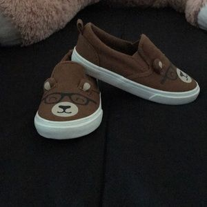 Toddler shoes with bear face and ears